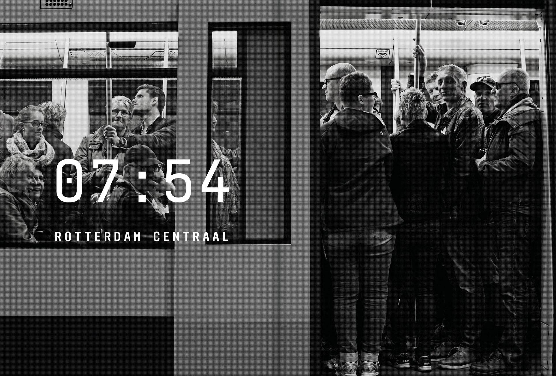 Uitgeverij Diafragma - CHECK-IN CHECK-UIT Rotterdams Openbaarvervoerbedrijf RET, carel van hees, sanneke van hassel, RET, fotografie, fotograaf, Rotterdam, stadsfotografie, fotografie, straatbeelden, Uitgeverij Diafragma, Rotterdams openbaarvervoerbedrijf, Rotterdams openbaarve